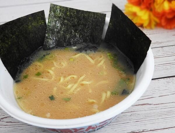 凄麺 横浜とんこつ家 豚骨醤油味 価格:198円(税抜)