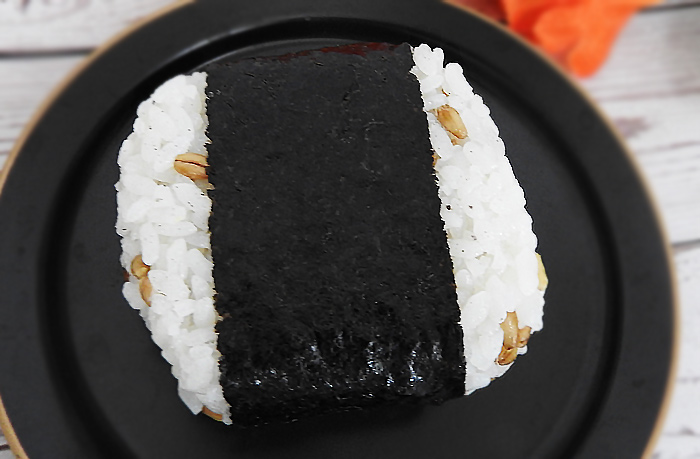 スーパー大麦 生たらこ(ファミリーマート)価格:140円(税込)