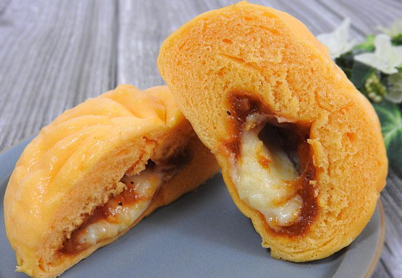 とろ~りチーズのピザまん(ファミリーマート) 価格:130円(税込)
