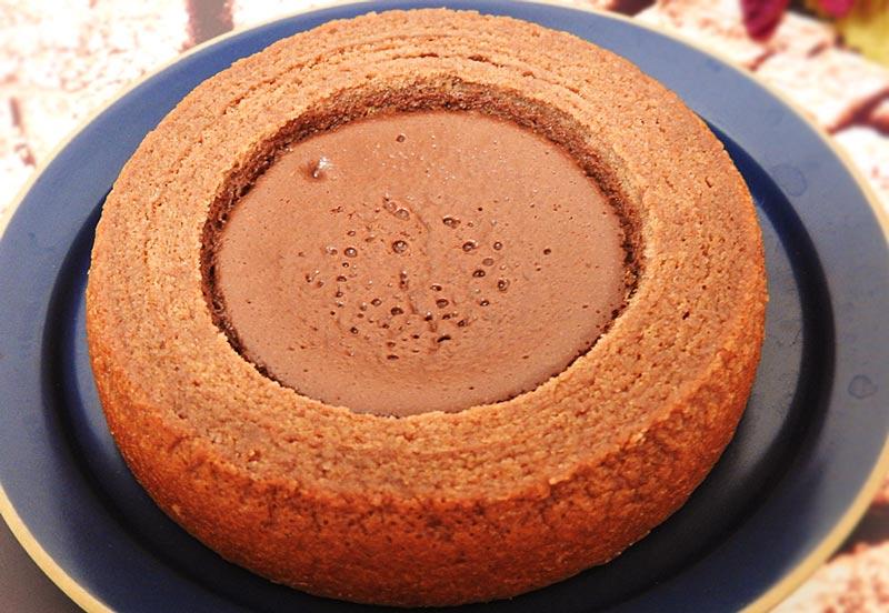生チョコを使ったチョコケーキのバウム(ファミリーマート) 価格:258円(税込)