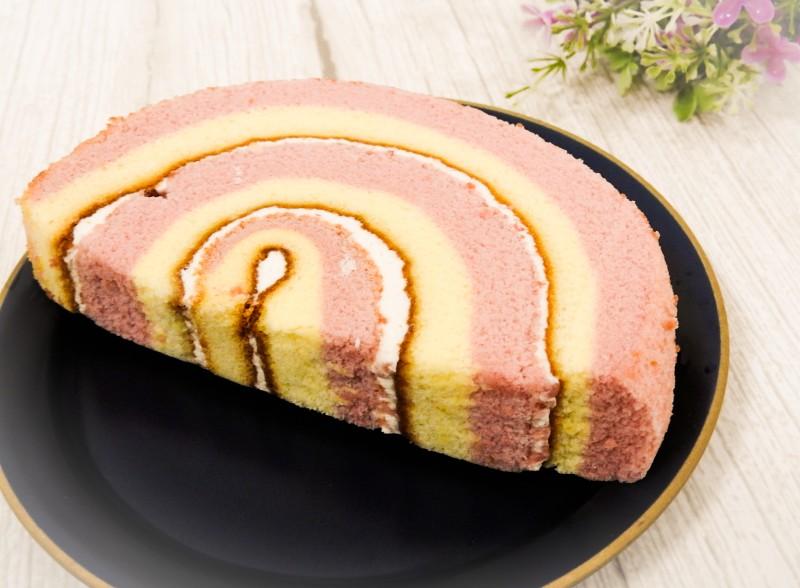 ローソン「NiziU いちごのケーキ」 価格:160円(税込)