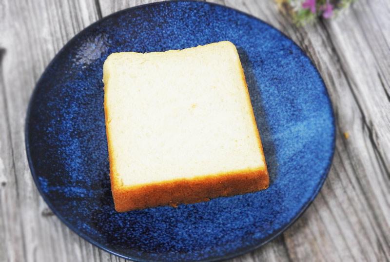 究極のしっとりもっちり食パン4枚(ファミリーマート) 価格:340円(税込)