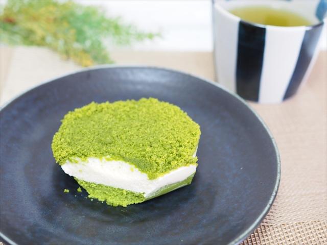 お抹茶チーズケーキ(ファミリーマート)価格:238円(税込)