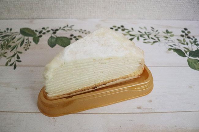セブンイレブン 7プレミアム レアチーズミルクレープ 価格:300円(税込)